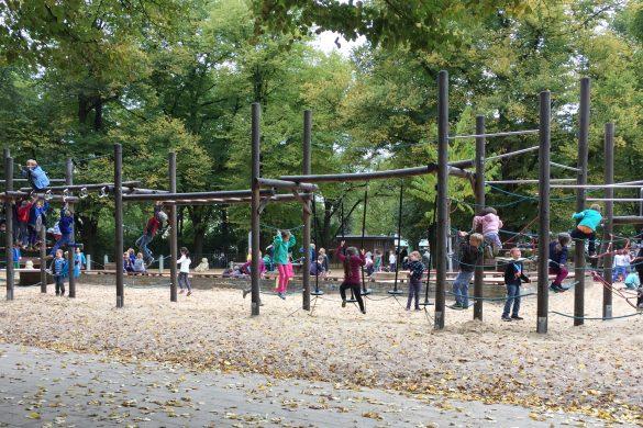 Spielplatz, Kinder, Klettern