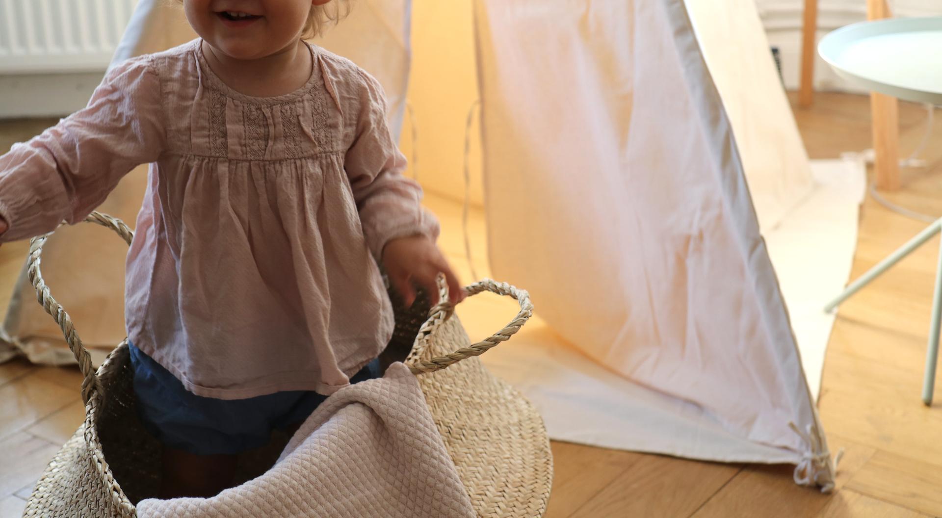 Kind Vom Klettergerüst Auf Bauch Gefallen : Mehr ordnung im kinderzimmer mit jollyroom werbung von guten eltern